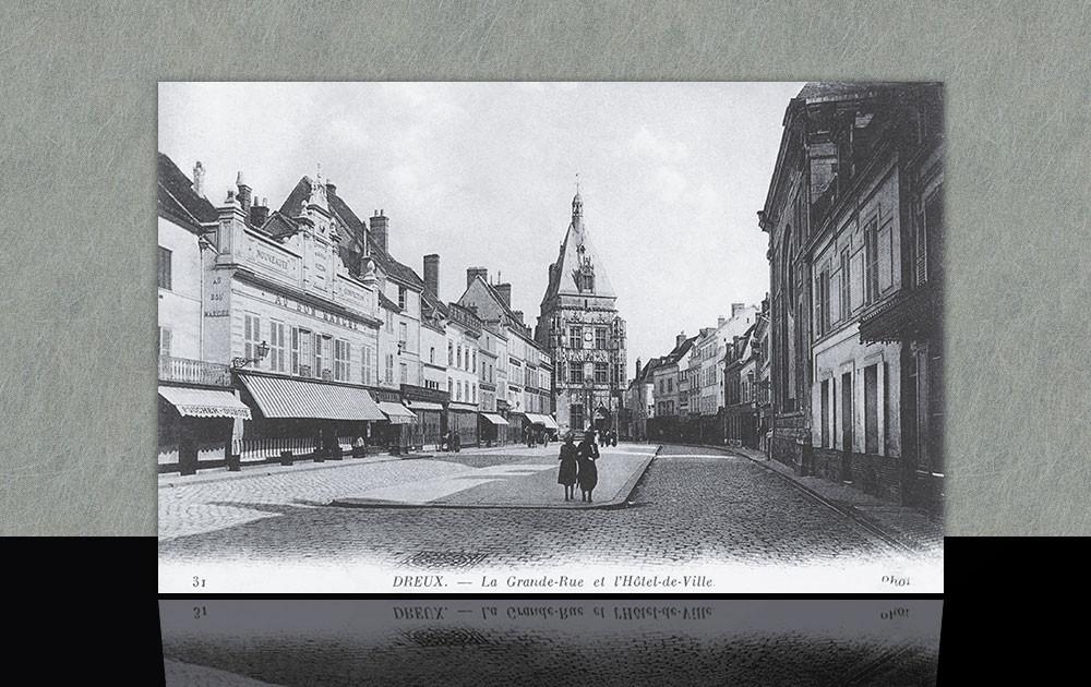 La Grande-Rue et l'Hôtel de Ville - Dreux